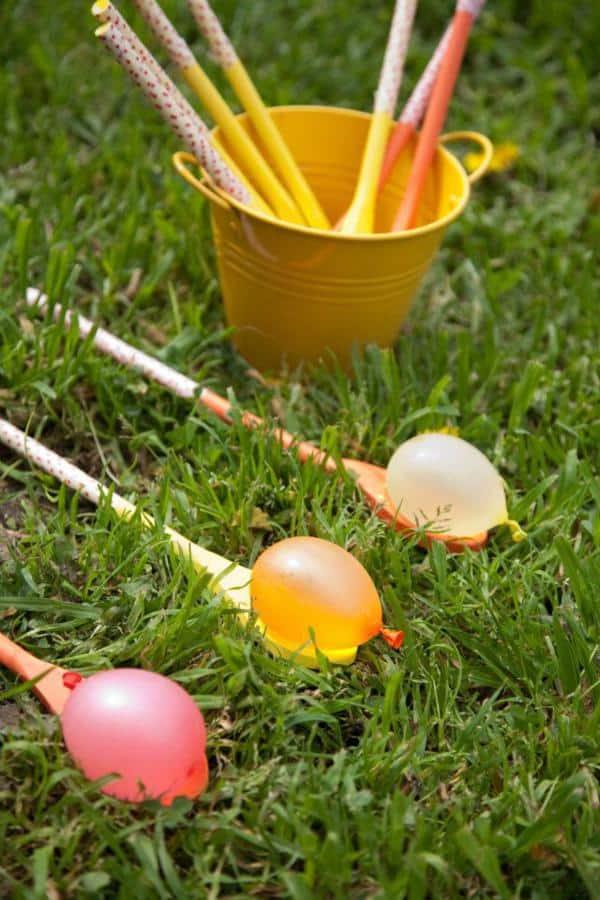 A fun waterballoon garden party games idea, one of the simplest garden party ideas