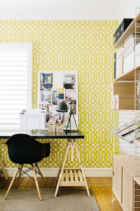 Small Home Office Ideas That Will Make You Want to Work Overtime #smallofficedesign #workspace