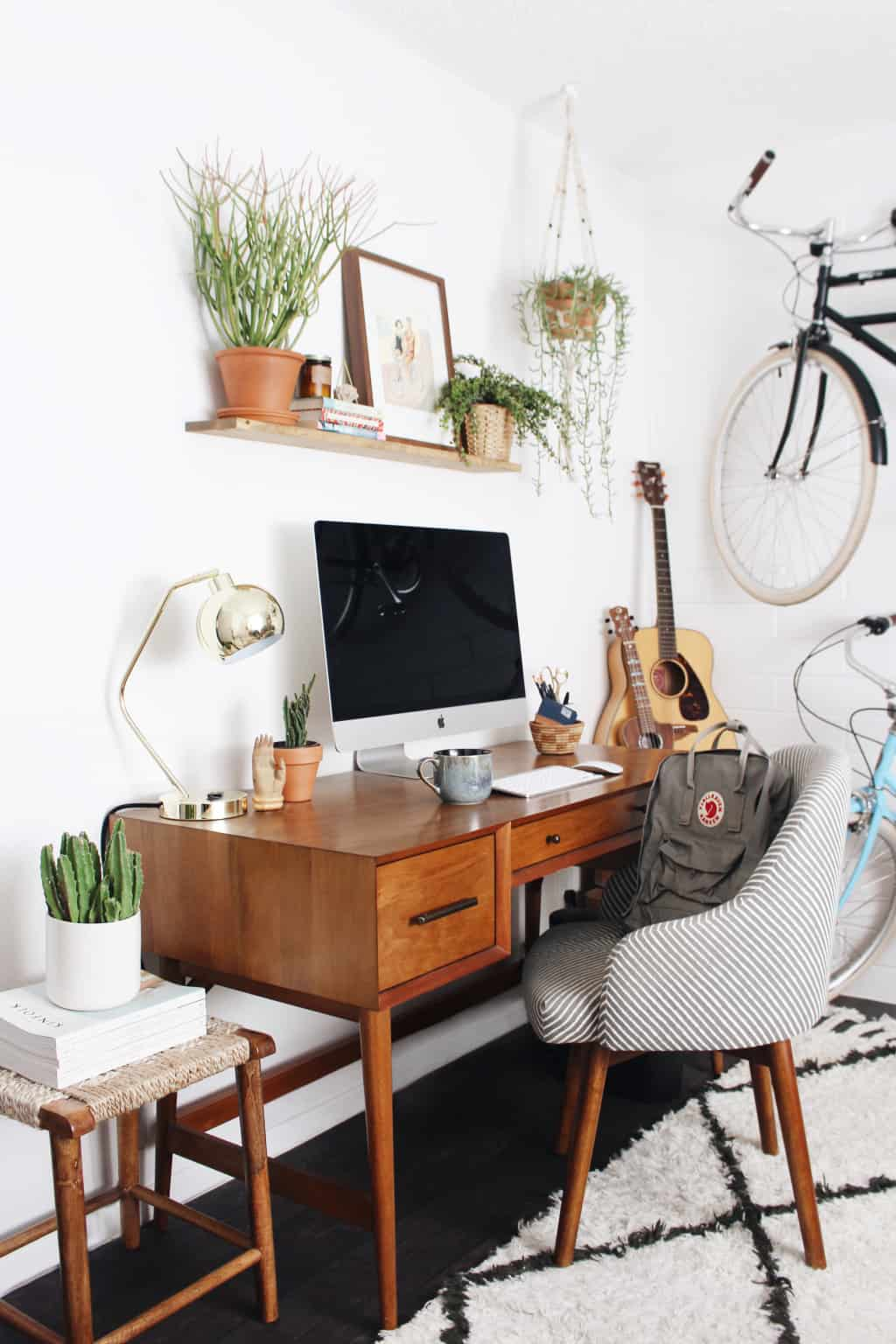 Small Home Office Ideas That Will Make You Want to Work Overtime, modern home office ideas #cutehomeoffice