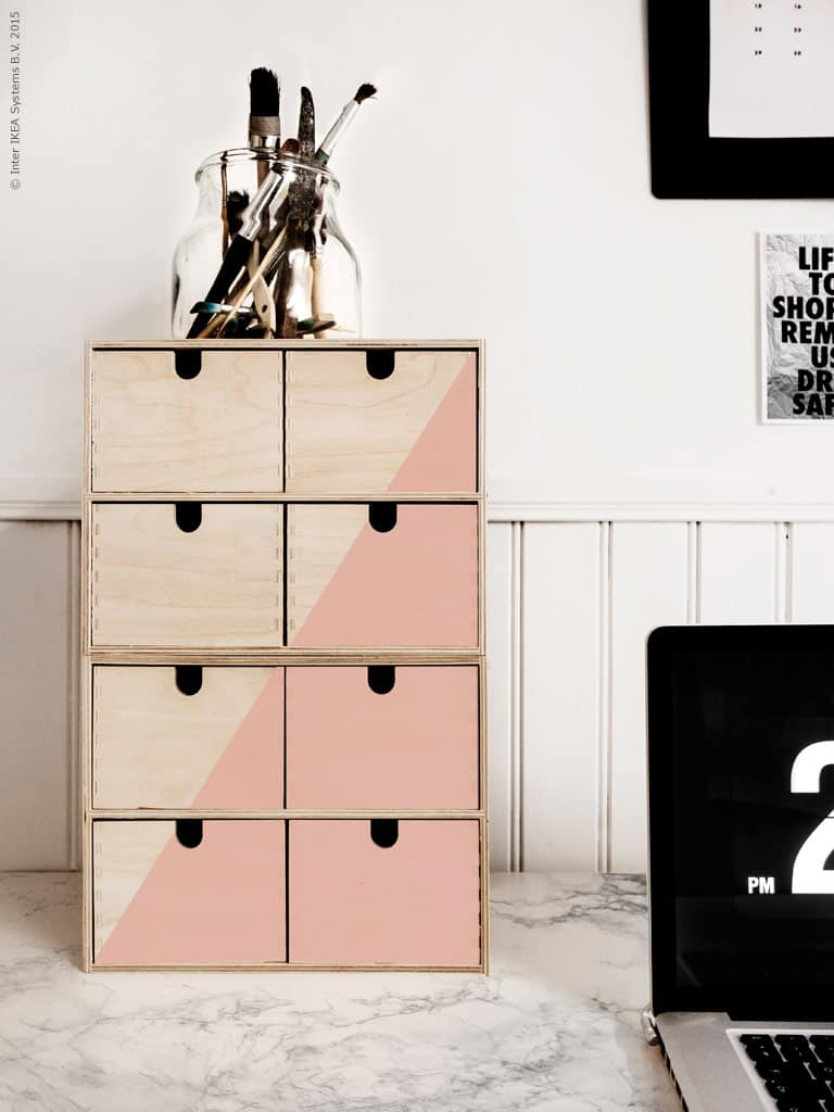 DIY Hacks From IKEA That You Can Do On A Tiny Budget #deskorganizer #diyhack #ikeahack