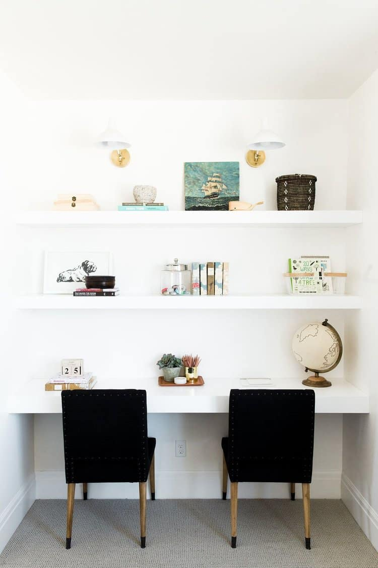 Small Home Office Ideas That Will Make You Want to Work Overtime #smallhomeofficedesign #officegoals #modernhomeoffice