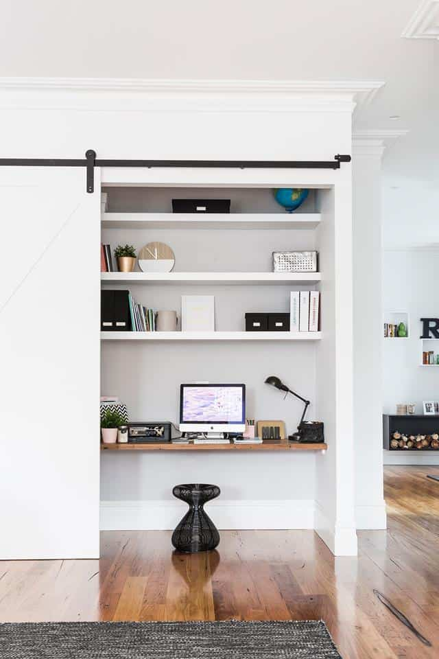 Small Home Office Ideas That Will Make You Want to Work Overtime #smallhomeofficedesign #officegoals
