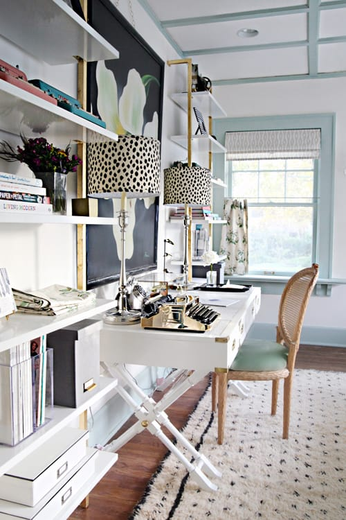 Small Home Office Ideas That Will Make You Want to Work Overtime #smallspaces #homeofficeinteriordesign