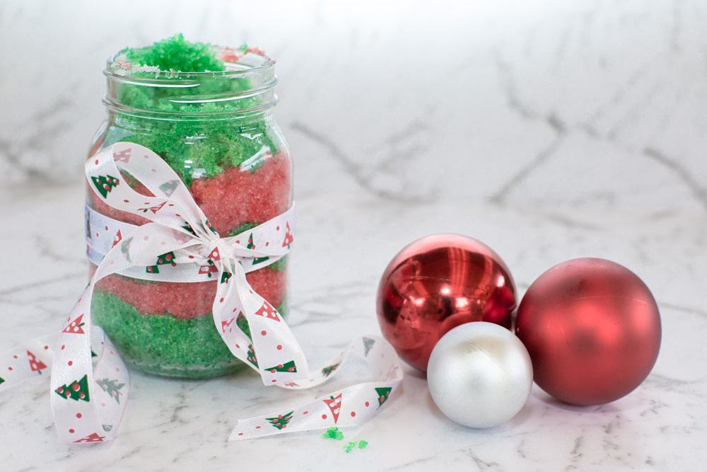 24 DIY Christmas Gifts That Your Friends Would Love To Get This Year | Handmade Christmas Gift Ideas | Inexpensive DIY Gift Ideas | Christmas Gift Ideas | Best Handmade Gifts Via: https://themummyfront.com #diychristmasgifts #themummyfront #handmadegifts | diy sugar scrub