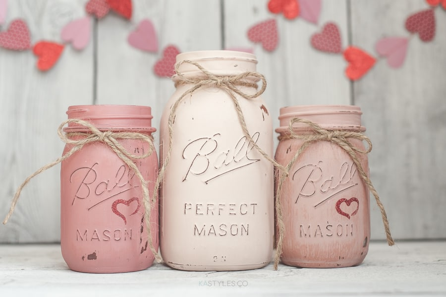 14 Stunning Valentine's Day Decoration Ideas you Will Seriously Fall In Love With This Year! #valentinesdaydecorationideas #valentines #valentinesdaycrafts #valentinesdecor Valentines decor for the home, valentines mason jars