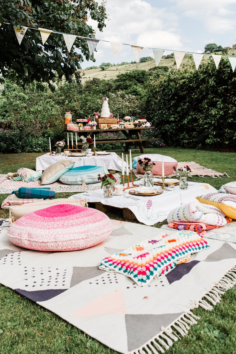 Boho Style Summer Party Seating Idea #summerpartyideas