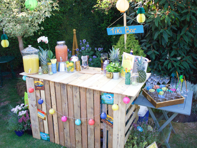 DIY Tiki Bar for a Hawaiian themed summer party