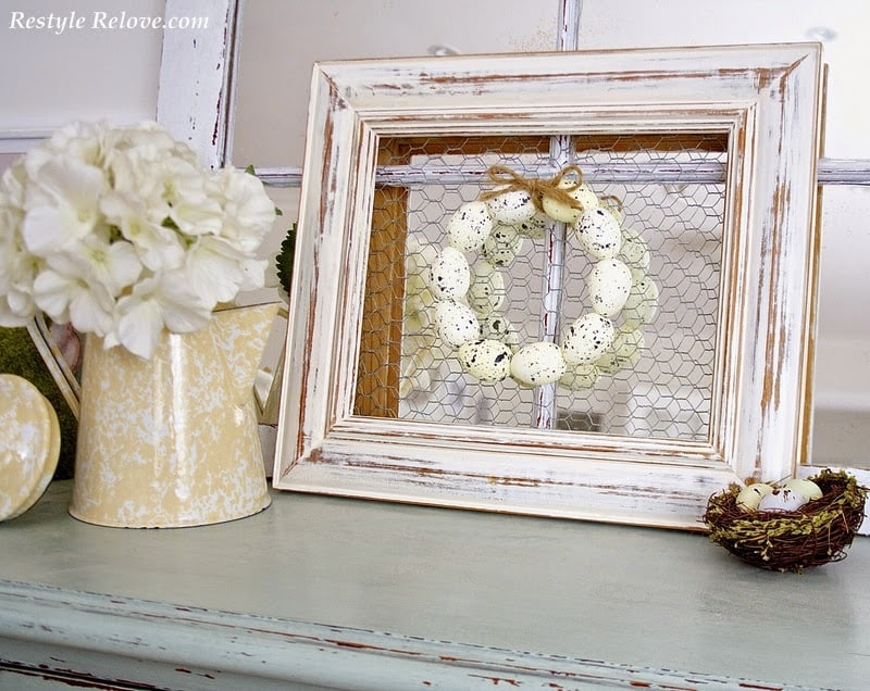 Speckled Egg Framed Wreath. DIY Easter Home decor Idea