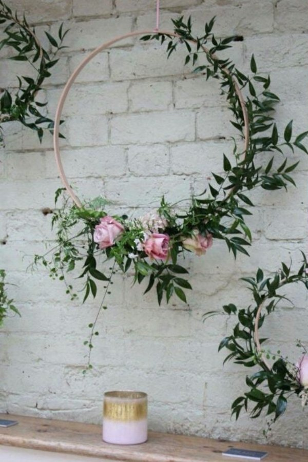 Stunning DIY Wedding Wreath