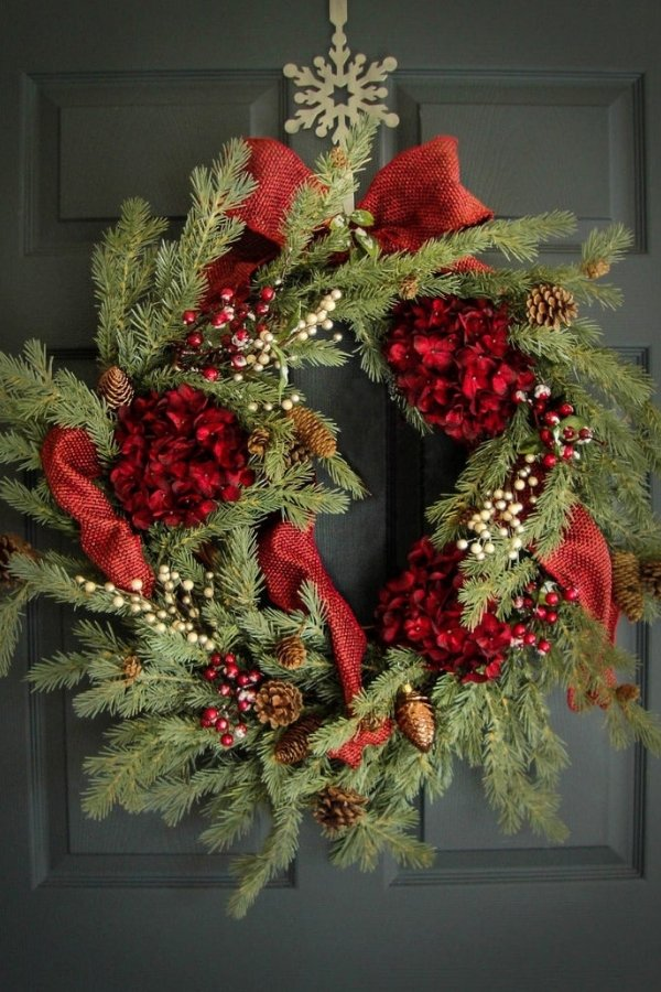 This red and green wreath is one of the best Christmas wreaths this year