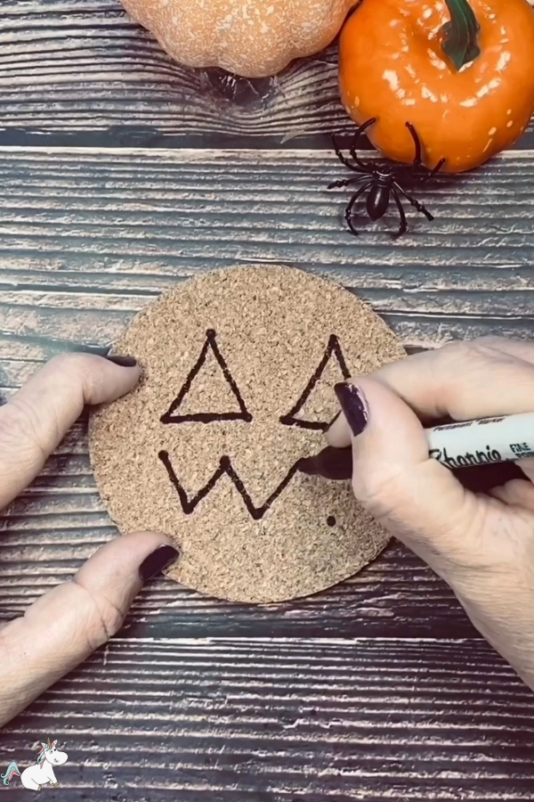 Join up the dots to make your pumpkin face outline